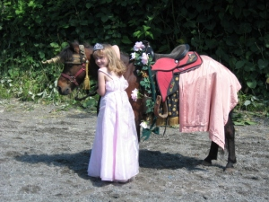 Princess_Brianna_and_a_unicorn_069a